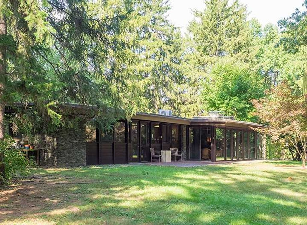 205 Emans Rd, Lagrangeville, NY 12540 -  $999,000 home for sale, house images, photos and pics gallery