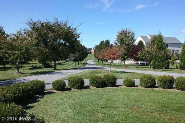 20801 Fairway View Dr, Laytonsville, MD 20882 -  $995,000