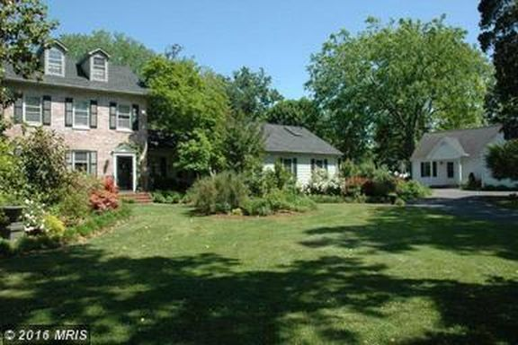 216 S Washington St, Easton, MD 21601 -  $879,999