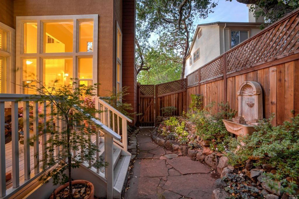 2160 Wedgewood Way, Santa Rosa, CA 95404 -  $1,025,000 home for sale, house images, photos and pics gallery
