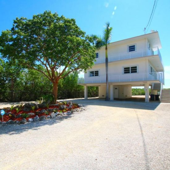 217 Harbor Dr, Key Largo, FL 33037 -  $1,150,000