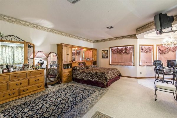 221 Dalmatian Ln, Las Vegas, NV 89107 -  $1,084,999