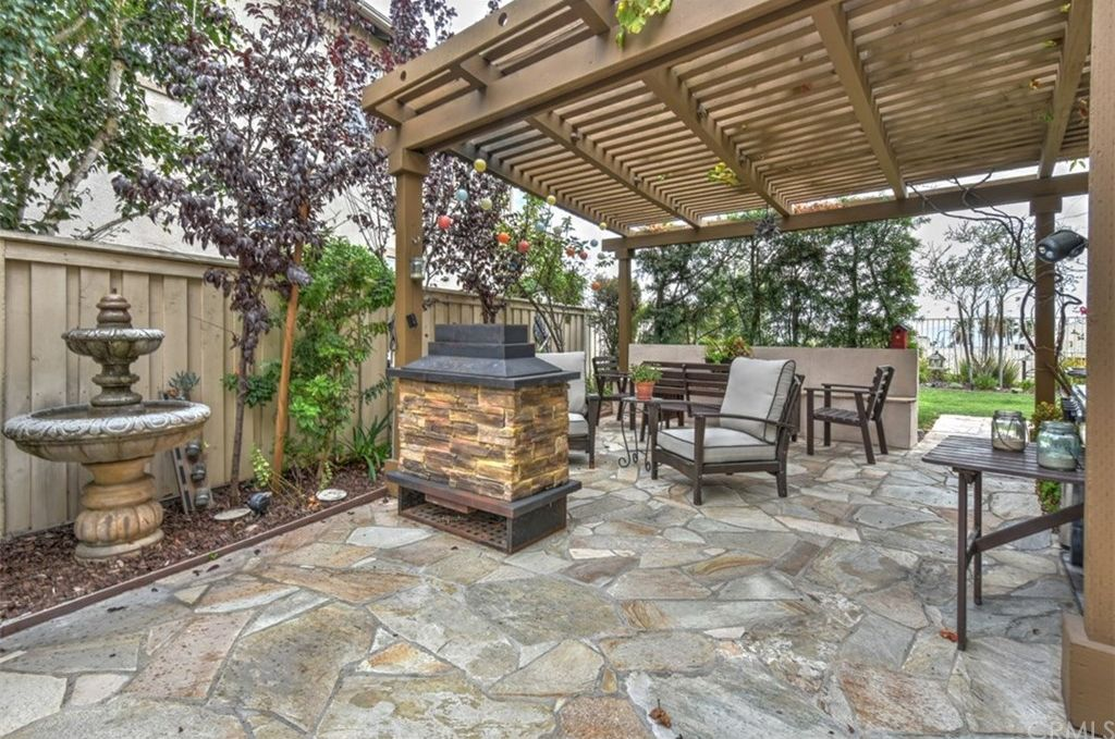 2265 Bay View Dr, Signal Hill, CA 90755 -  $975,000 home for sale, house images, photos and pics gallery