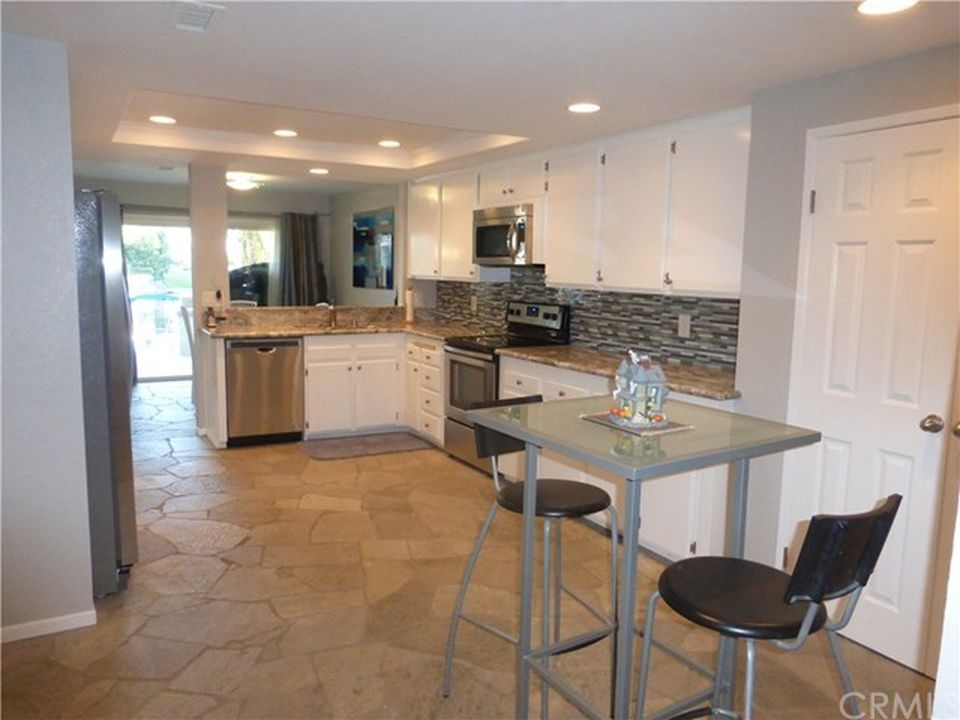 22705 Wood Lake Ln, Lake Forest, CA 92630 -  $950,000 home for sale, house images, photos and pics gallery