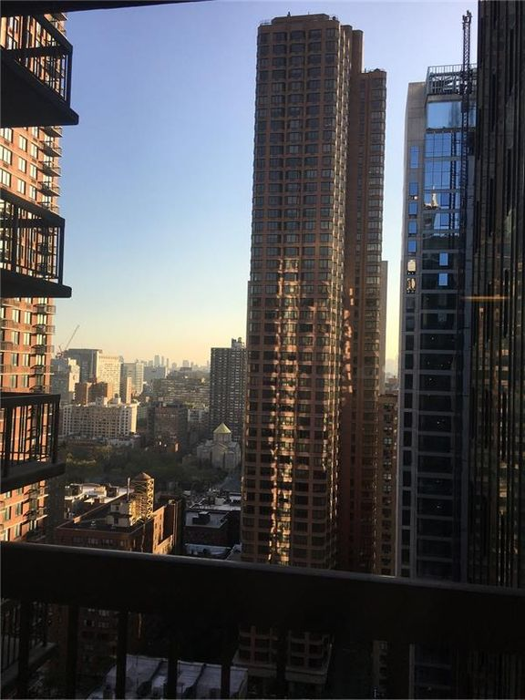 235 E 40th St APT 27C, New York, NY 10016 -  $960,000 home for sale, house images, photos and pics gallery
