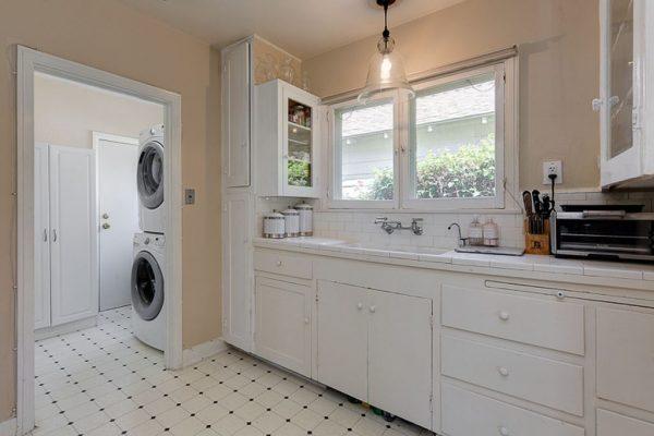 25 Oak Knoll Gardens Dr, Pasadena, CA 91106 -  $949,000