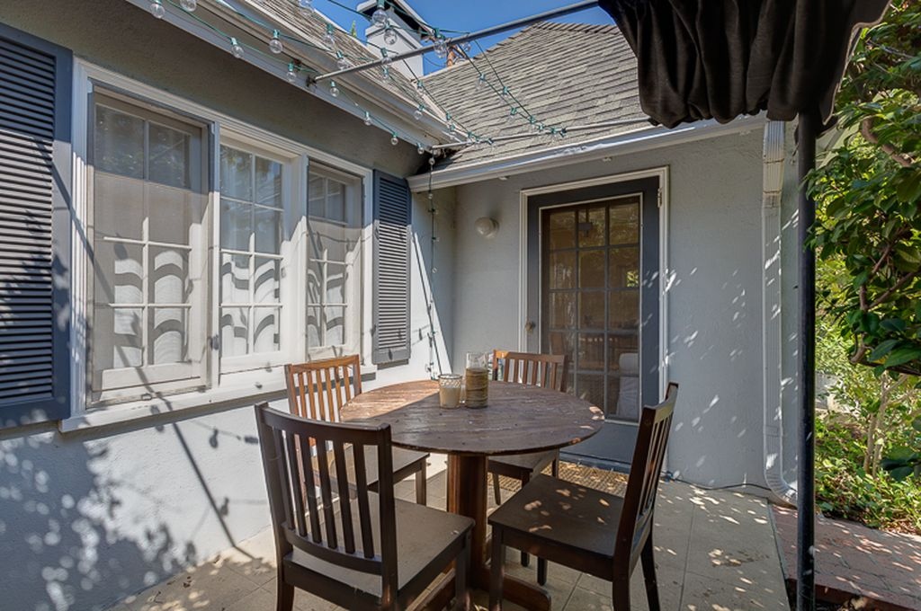 25 Oak Knoll Gardens Dr, Pasadena, CA 91106 -  $949,000 home for sale, house images, photos and pics gallery