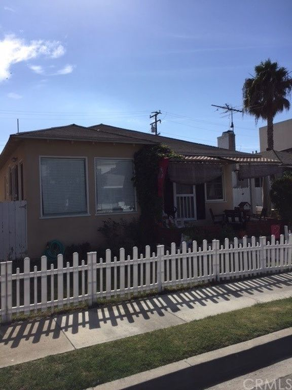 250 16th St, Seal Beach, CA 90740 -  $1,175,000 home for sale, house images, photos and pics gallery