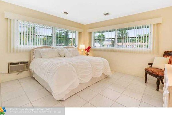 2657 NE 26th St, Fort Lauderdale, FL 33305 -  $999,900