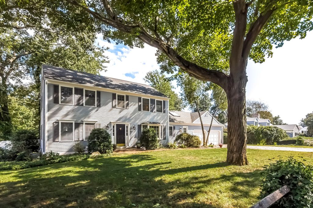 27 Hotchkiss Ln, Madison, CT 06443 -  $915,000 home for sale, house images, photos and pics gallery