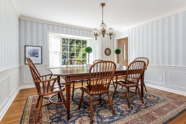 27 Hotchkiss Ln, Madison, CT 06443 -  $915,000