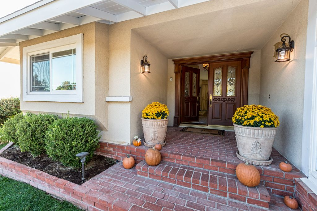 2822 Sapra St, Thousand Oaks, CA 91362 -  $1,149,000 home for sale, house images, photos and pics gallery