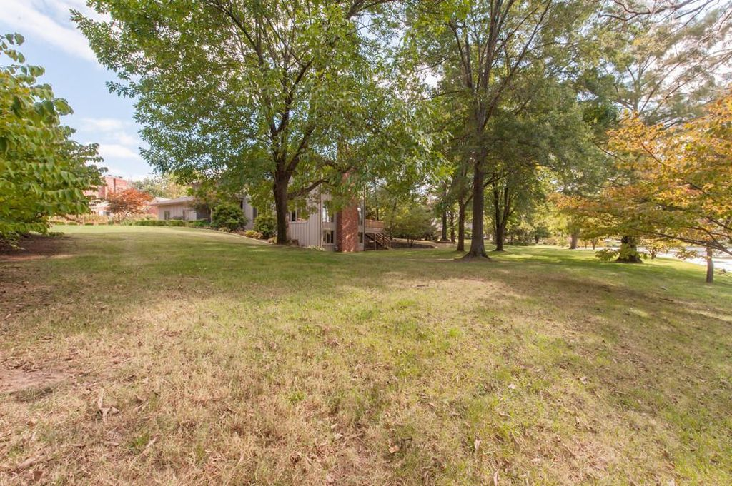 2904 E Alpine Dr, Springfield, MO 65804 -  $950,000 home for sale, house images, photos and pics gallery