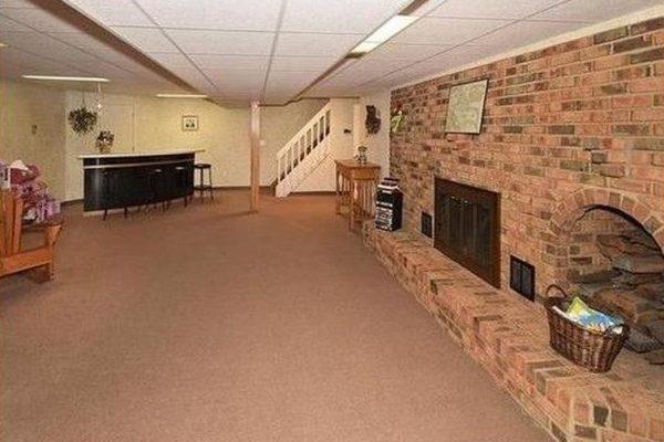 296 North Rd, Broad Brook, CT 06016 -  $875,000
