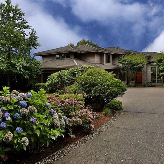 2961 Beacon Hill Dr, West Linn, OR 97068 -  $1,050,000