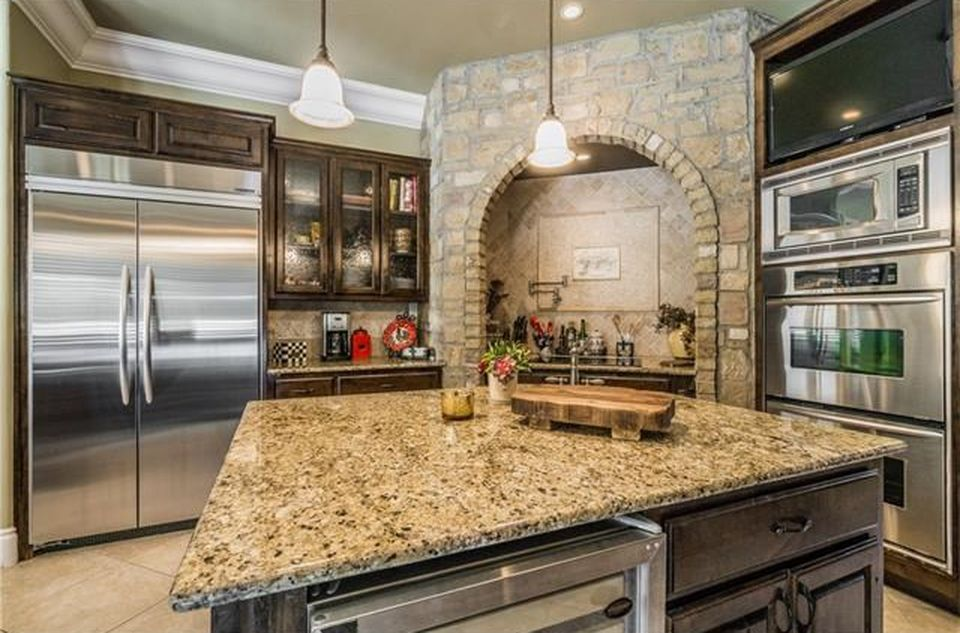 3 Gentlebrook Bnd, The Hills, TX 78738 -  $989,000 home for sale, house images, photos and pics gallery
