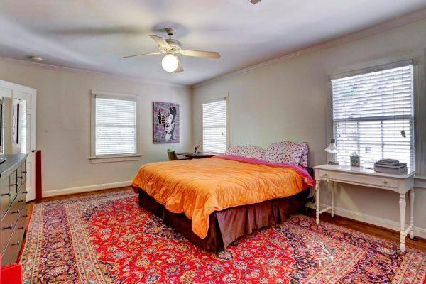 3032 Wroxton Rd, Houston, TX 77005 -  $999,999