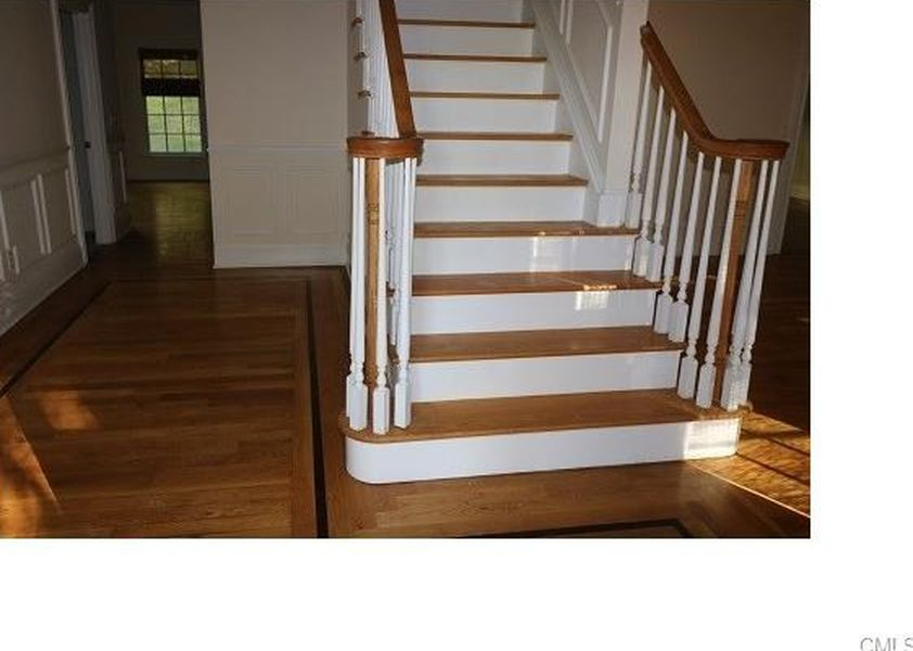 305 Newtown Tpke, Weston, CT 06883 -  $899,000 home for sale, house images, photos and pics gallery