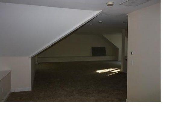 305 Newtown Tpke, Weston, CT 06883 -  $899,000