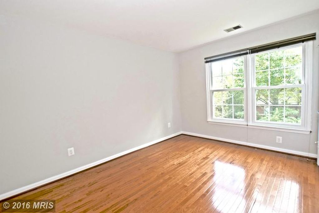3105 Sleepy Hollow Rd, Falls Church, VA 22042 -  $949,000 home for sale, house images, photos and pics gallery