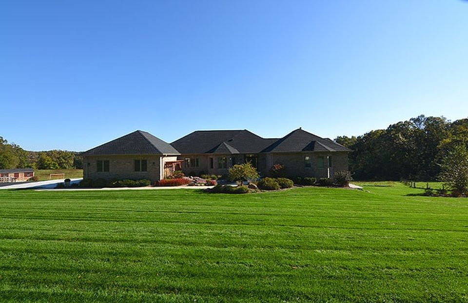 3256 Ryser Dr, Mount Horeb, WI 53572 -  $989,000 home for sale, house images, photos and pics gallery