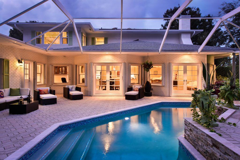 33 Rio Vista Dr, Stuart, FL 34996 -  $1,098,000 home for sale, house images, photos and pics gallery