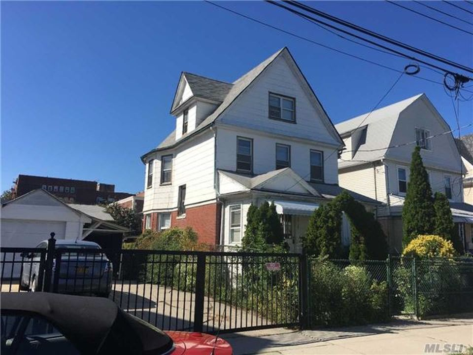 3328 145th St, Flushing, NY 11354 -  $1,138,000 home for sale, house images, photos and pics gallery