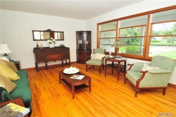 335 Hill Rd, Southold, NY 11971 -  $925,000
