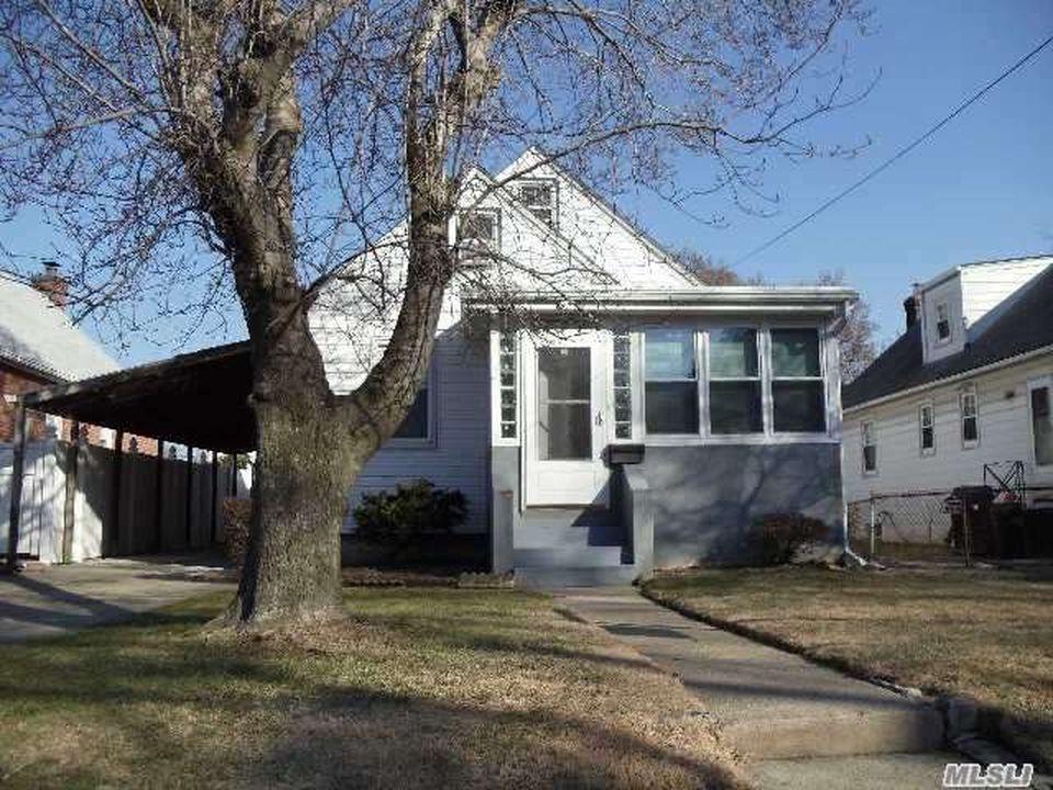 3427 203rd St, Flushing, NY 11361 -  $850,000