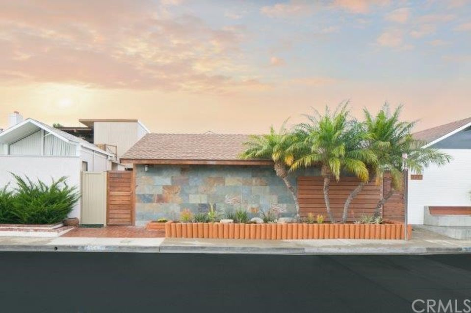 355 Walnut St, Newport Beach, CA 92663 -  $1,149,000 home for sale, house images, photos and pics gallery