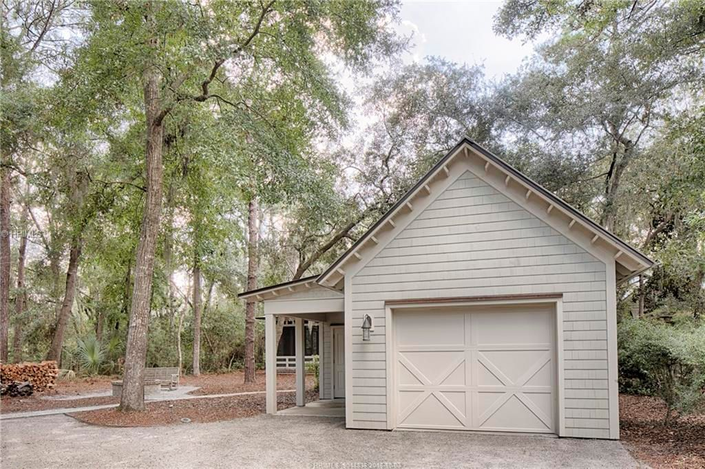 4 Astbury St, Bluffton, SC 29910 -  $995,000 home for sale, house images, photos and pics gallery