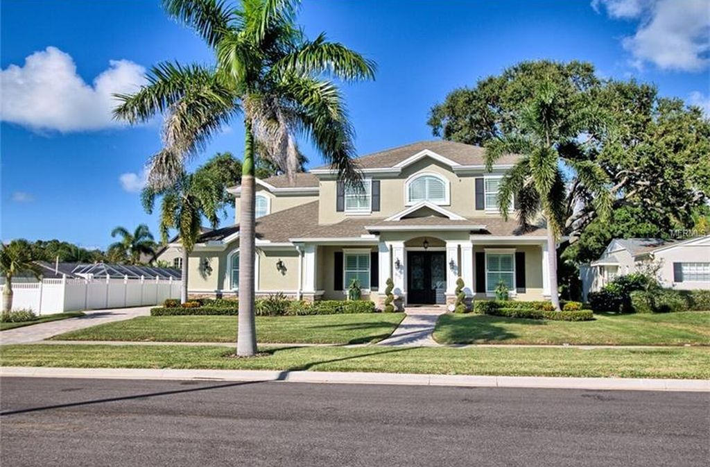 402 Althea Rd, Belleair, FL 33756 -  $1,075,000 home for sale, house images, photos and pics gallery