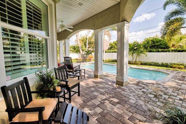 402 Althea Rd, Belleair, FL 33756 -  $1,075,000
