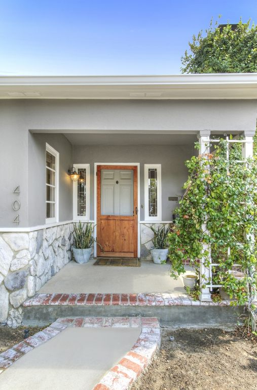 404 S Beachwood Dr, Burbank, CA 91506 -  $829,000 home for sale, house images, photos and pics gallery