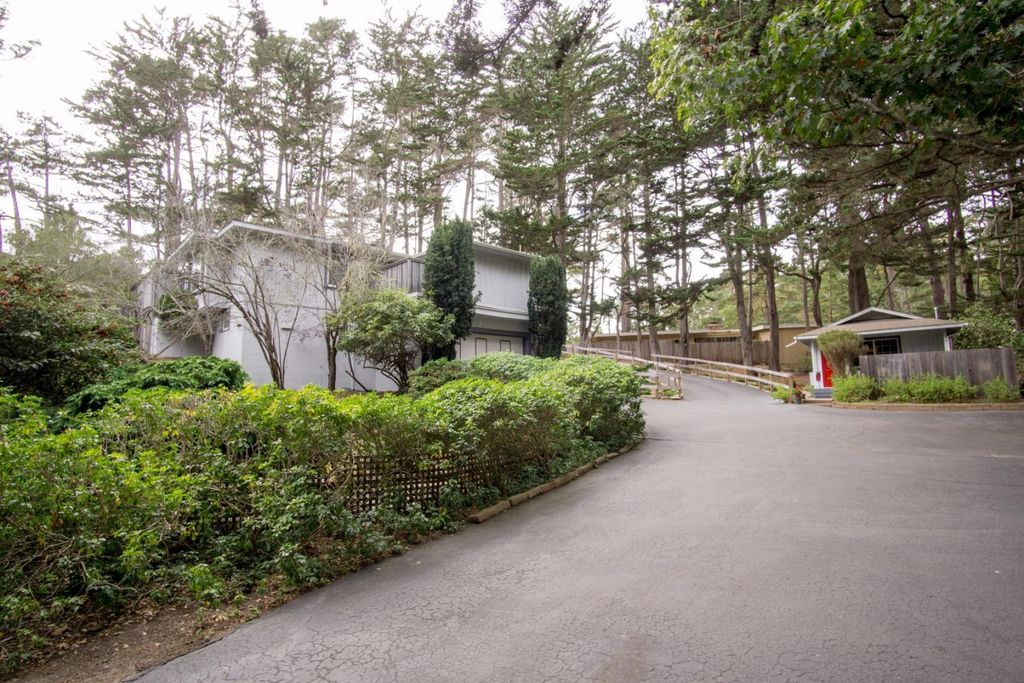 4173 Sunridge Rd, Pebble Beach, CA 93953 -  $1,150,000