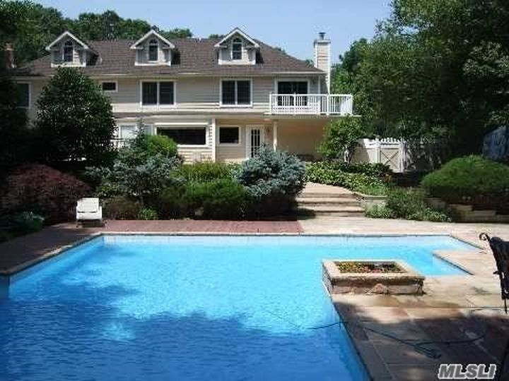 42 Weinmann Blvd, Melville, NY 11747 -  $1,049,000 home for sale, house images, photos and pics gallery