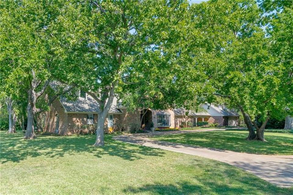 4203 N Cresthaven Rd, Dallas, TX 75209 -  $1,025,000 home for sale, house images, photos and pics gallery