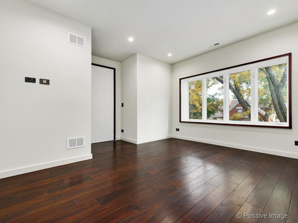 4222 N Whipple St, Chicago, IL 60618 -  $949,900 home for sale, house images, photos and pics gallery