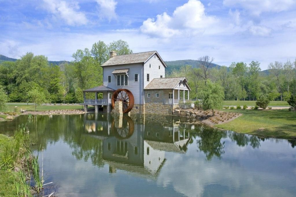 443 Copeland Hill Dr, White Sulphur Hill, WV 24986 -  $1,100,000 home for sale, house images, photos and pics gallery