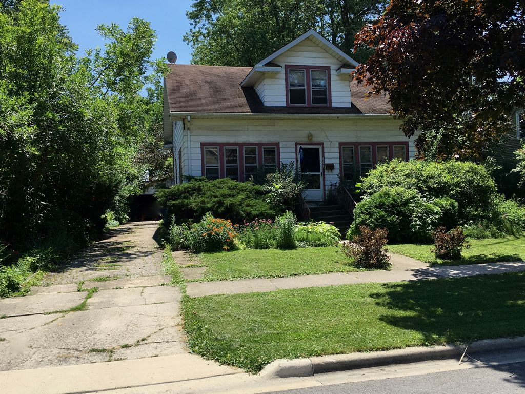 444 W Montrose Ave, Elmhurst, IL 60126 -  $1,115,000 home for sale, house images, photos and pics gallery