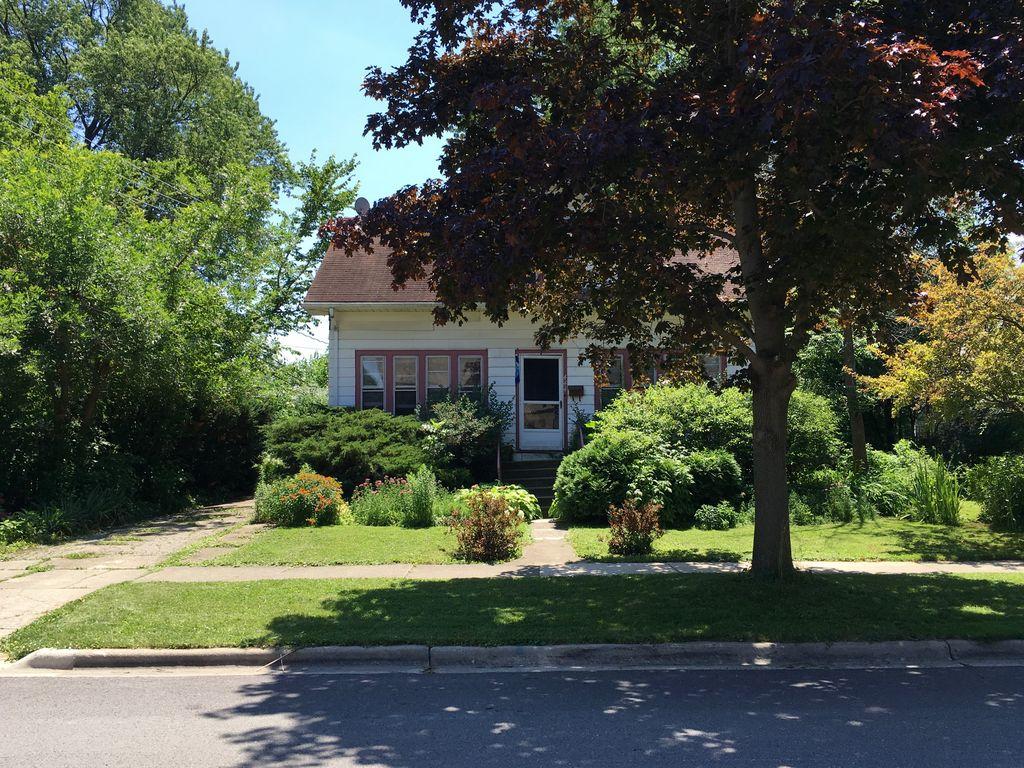 444 W Montrose Ave, Elmhurst, IL 60126 -  $1,115,000