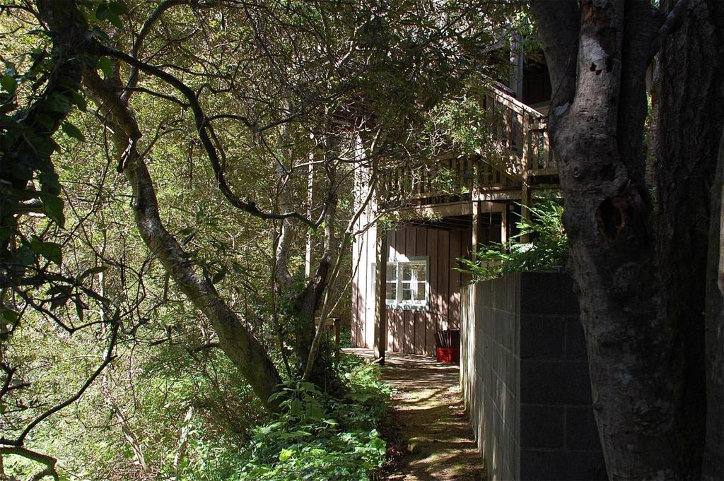 44751 Crestwood Dr, Mendocino, CA 95460 -  $875,000 home for sale, house images, photos and pics gallery