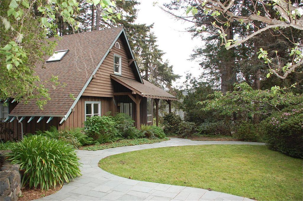 44751 Crestwood Dr, Mendocino, CA 95460 -  $875,000