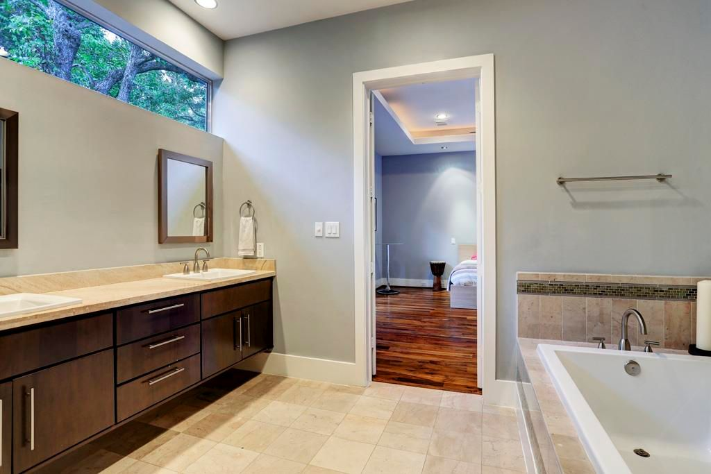 4504 Feagan St, Houston, TX 77007 -  $1,095,000 home for sale, house images, photos and pics gallery