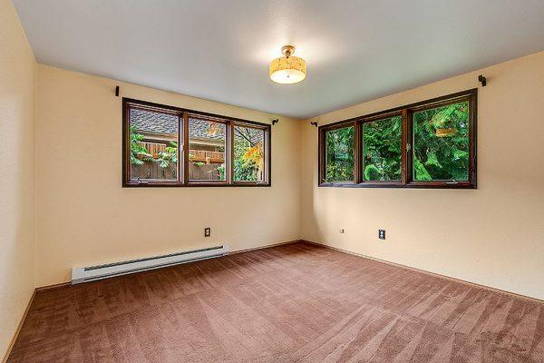 4512 W Cramer St, Seattle, WA 98199 -  $1,090,000