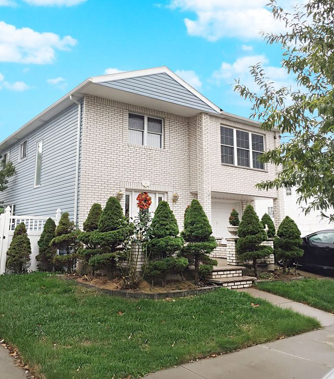 46 Sleepy Hollow Rd, Staten Island, NY 10314 -  $869,000 home for sale, house images, photos and pics gallery