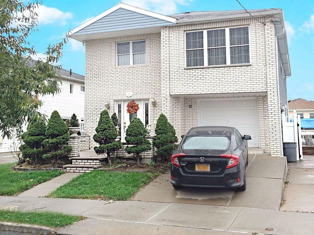 46 Sleepy Hollow Rd, Staten Island, NY 10314 -  $869,000
