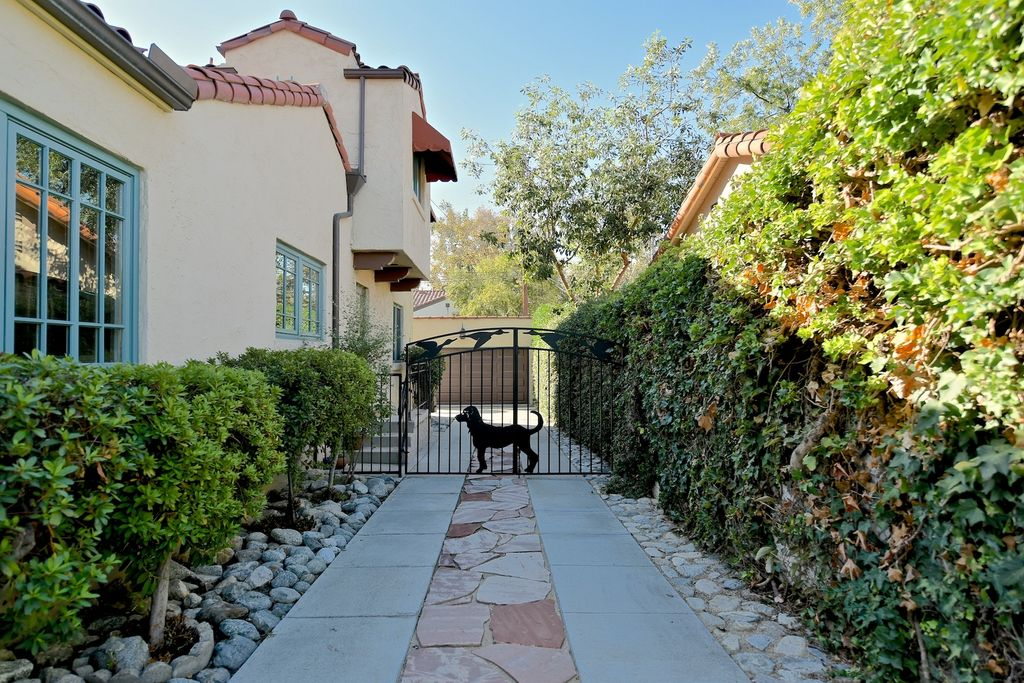 462 Baughman Ave, Claremont, CA 91711 -  $1,075,000 home for sale, house images, photos and pics gallery