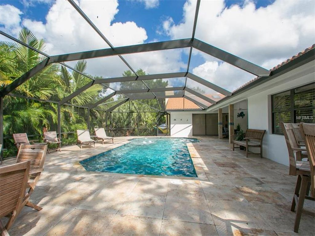 5165 Kestral Park Ln, Sarasota, FL 34231 -  $1,049,000 home for sale, house images, photos and pics gallery