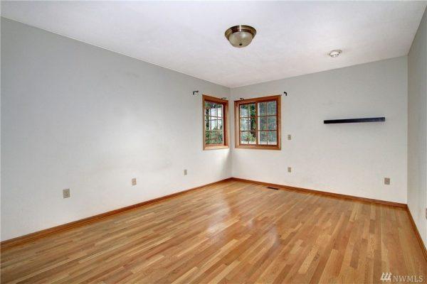 5226 38th Ave NE, Seattle, WA 98105 -  $920,000